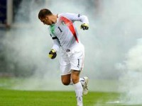 EURO2012 予選。イタリア対セルビアは試合途中で打ち切りに