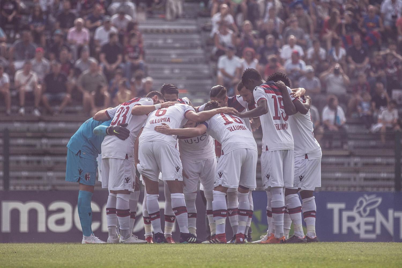 セインツU-23 とのプレマッチでPinzolo 合宿を打ち上げ © Bologna FC