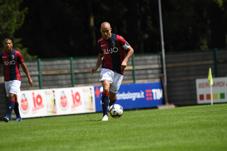 前半のカピターノはパラシオ © Bologna FC