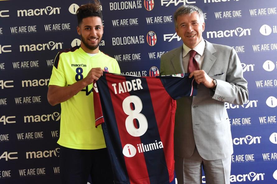 Saphir Taider サフィル・タイデルのボローニャただいま会見が開かれる © Bologna FC